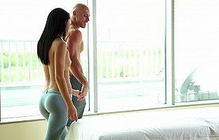 Massage therapy culminates in hardcore porn